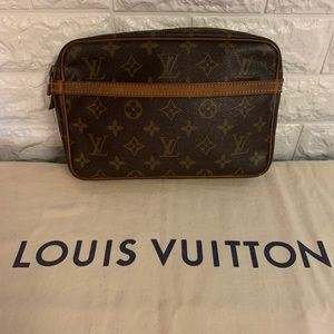 Authentic Louis Vuitton Compeigne 23